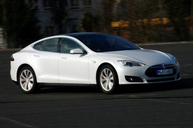 Tesla Model S 003