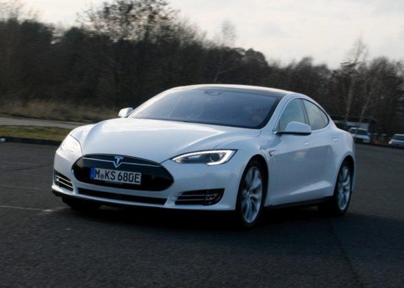 Tesla Model S 006