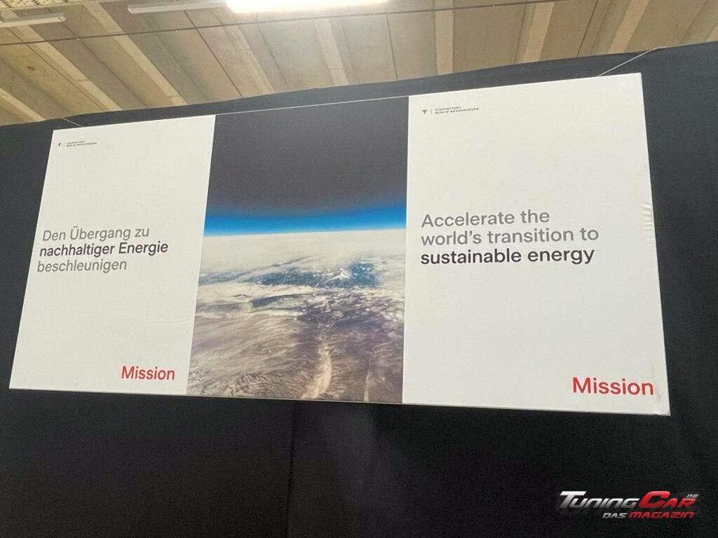 Tesla Gigafactory 39