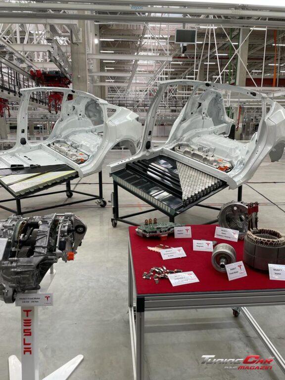 Tesla Gigafactory 45