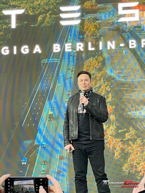 Tesla Gigafactory 55